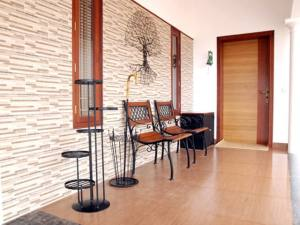 House Entrace sitting - Prime Property Developers