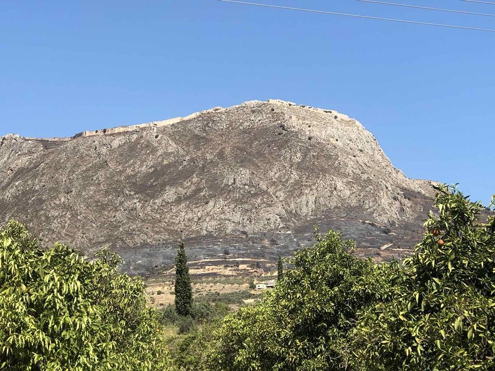 Στην Κορινθία ο περιφερειάρχης Πελοποννήσου Π. Νίκας, αυτοψία σε Ακροκόρινθο και σύσκεψη στα γραφεία της Π.Ε.