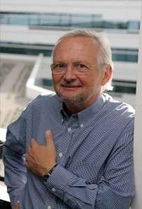 """FH Campus Wien Geschäftsleiter Manfred Teiner: """"Wir sind stolz darauf, als erste Fachhochschule für den Staatspreis Unternehmensqualität nominiert zu sein."""" © FH Campus Wien"""