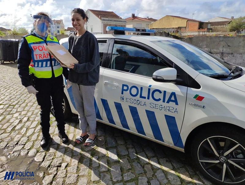 PSP de Ovar entrega 58 tablets a pedido da Escola Secundária José Macedo Fragateiro