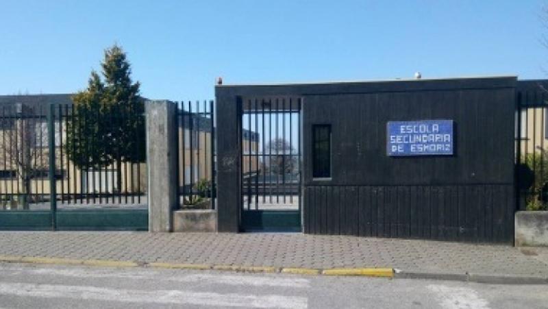 Deputada Carla Madureira reclama intervenção urgente no edifício da Escola Secundária de Esmoriz