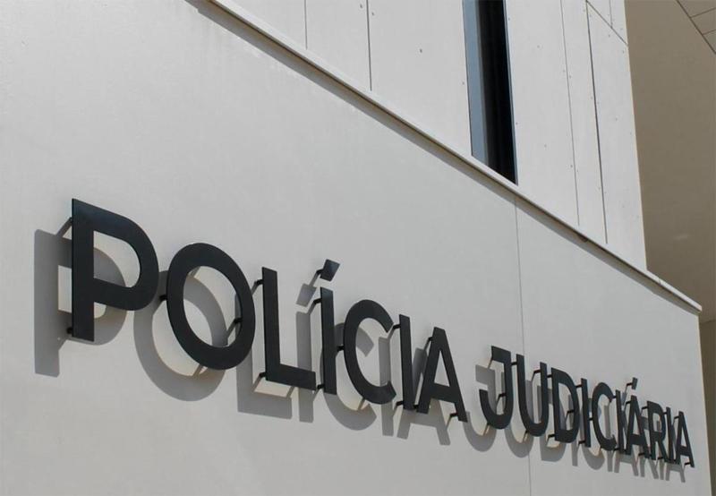 Detido suspeito dos crimes de coação sexual agravada e de pornografia de menores
