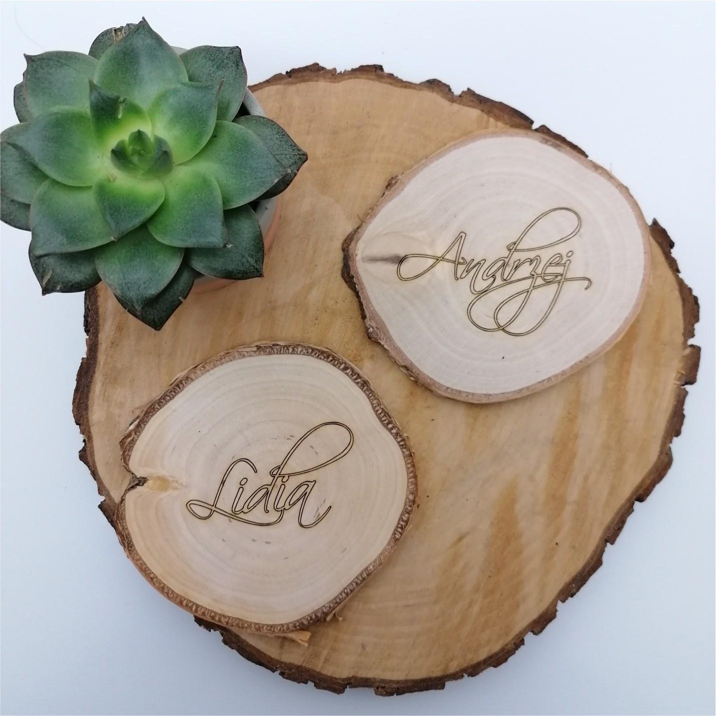 winietki na plastrze drewna