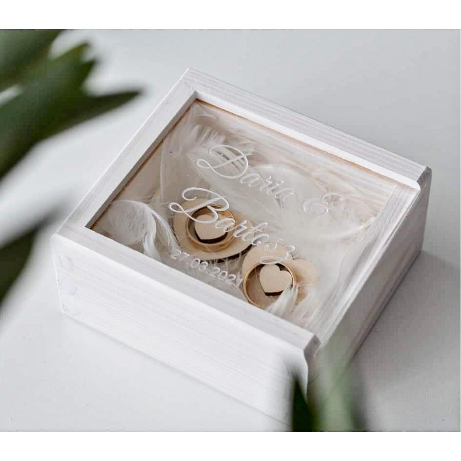 pudełko na obrączki z transparentnym wieko