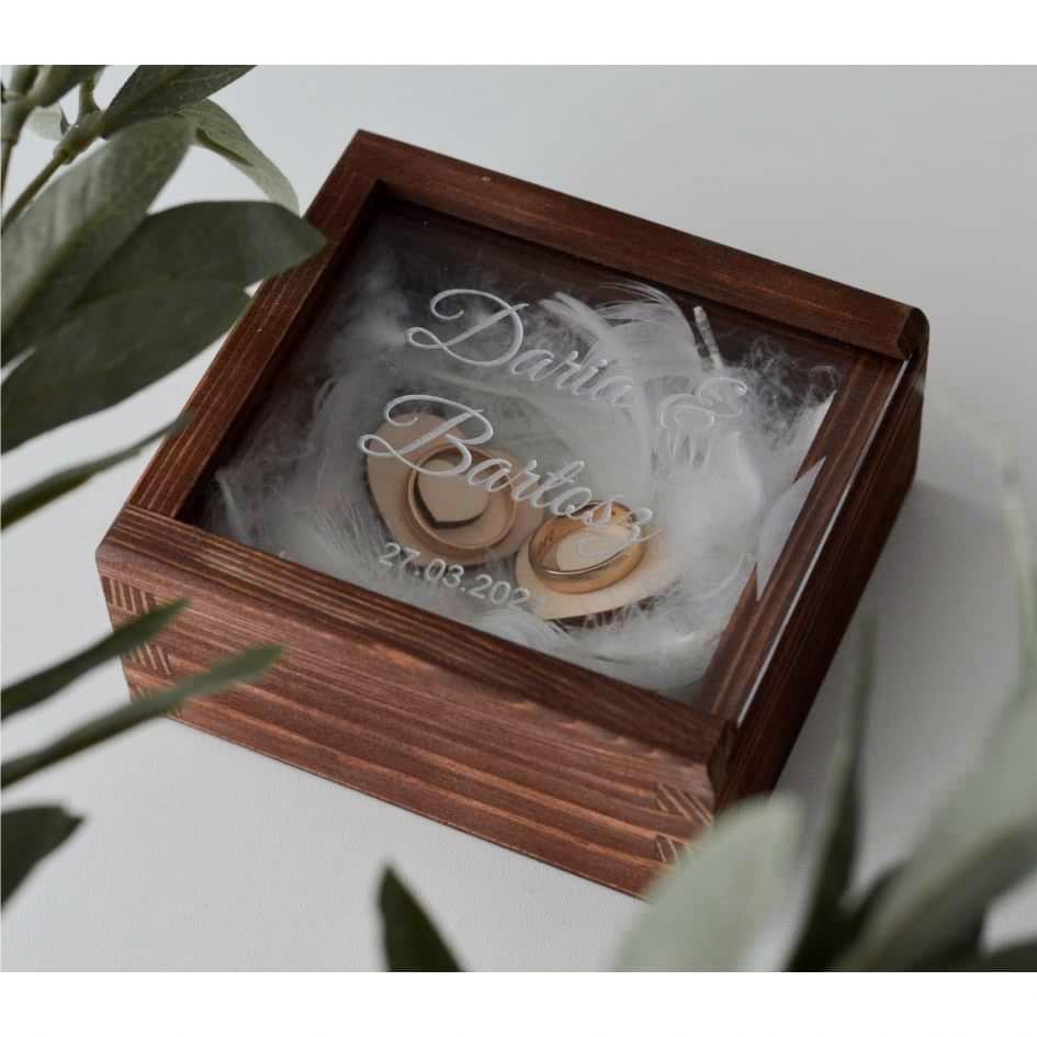 Pudełko na obrączki z wiekiem z plexi
