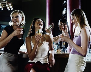 How to Start Talking to a Girl When She is in a Group of Friends