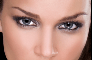 Eye Contact With Men – Your Most Poweful Way of Attracting Guys