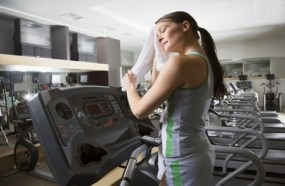 how to talk to a girl at a gym near the treadmill