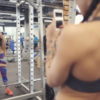 gym selfie girl
