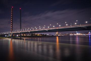 Düsseldorf nach Prag - Rheinkniebrücke Düsseldorf