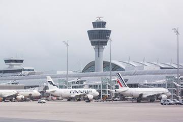 Vom Franz Josef Strauß Flughafen nach Prag fliegen