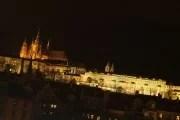 Crociera sul fiume di notte