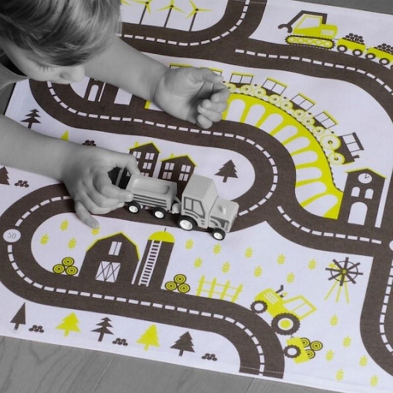 https www prairymood com jouets cologiques 2085 tapis de jeu bio pour petites voitures country html
