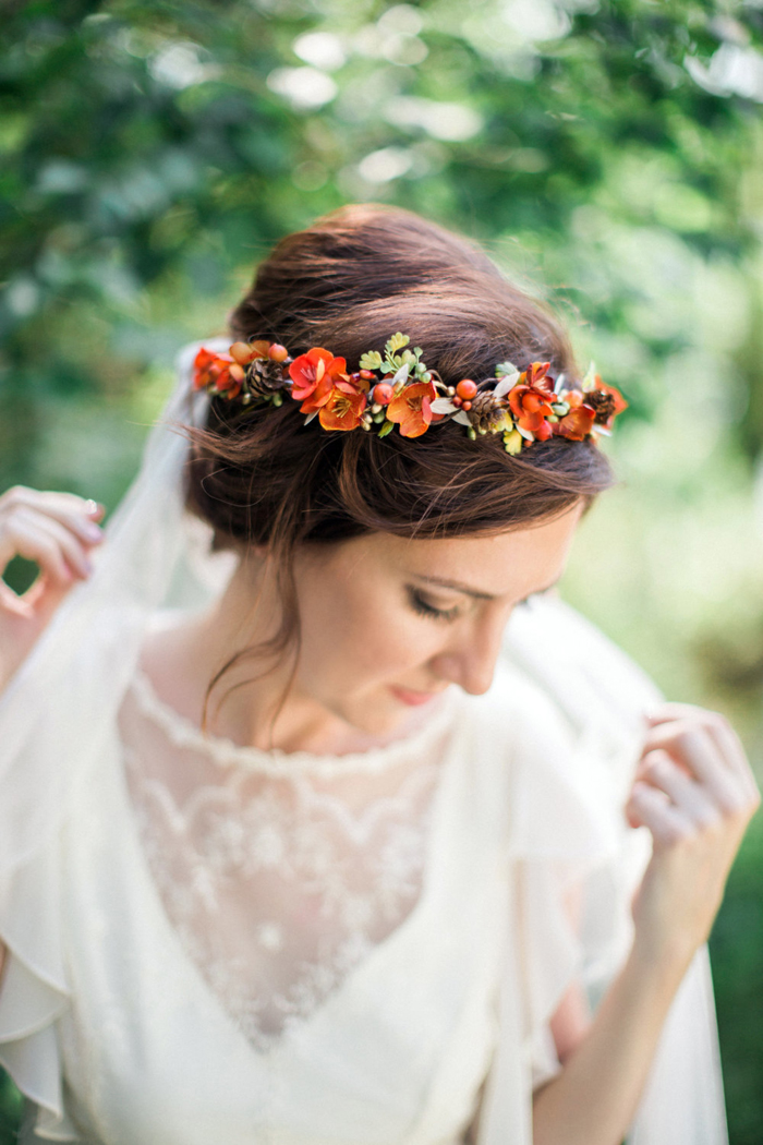 15 Beautiful Flower Crowns For Autumn Brides Praise Wedding