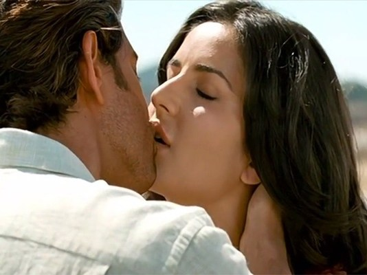 Bollywood Kissing Scenes Images