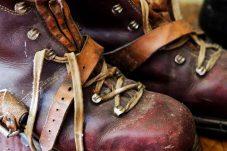 shoes-3397628_1920