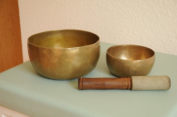 singing bowls, quigong, japanese art of healing