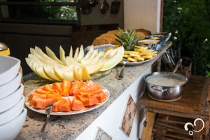 Frutas cortadas para o café da manhã Durante o Retiro