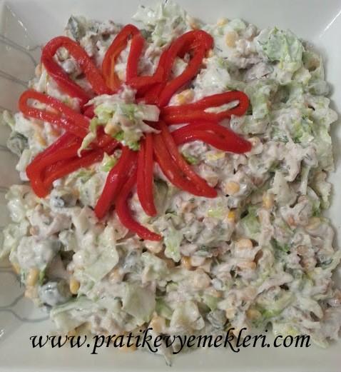 Marullu Tavuk Salatası