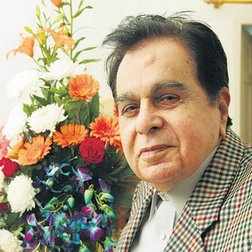 Mr. Dilip Kumar at his residence in New Delhi on the evening of his 85th birthday on Tuesday the 11the of December 2007. Picture-- Sarang Sena-- DNA