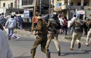 कश्मीर में हालात फिर तनावपूर्ण