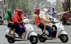 दिल्ली में हड़ताल पर ऑटो-टैक्सी, यात्रियों को हुई परेशानी