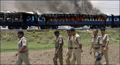 20090601125840bihar_train_fire4161