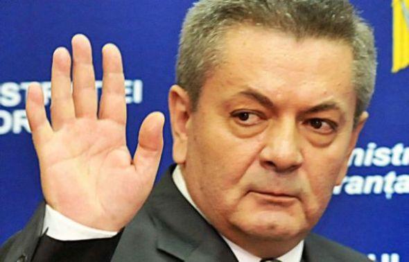director-demis-de-ioan-rus-pentru-ca-si-a-permis-sa-incheie-contracte-de-zeci-de-milioane-de-euro-pentru-cfr-marfa-209719-1