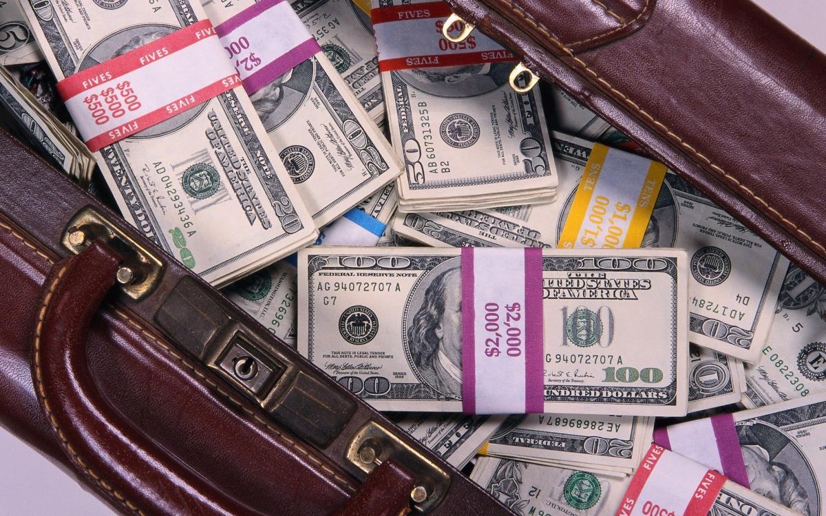 23032017154351_web_money_dollar_bills_benjamin_franklin_bags_1920x1200