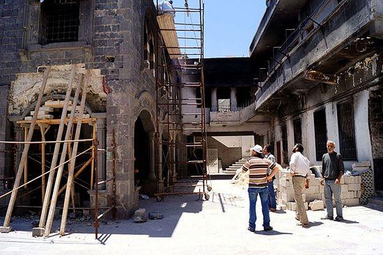 Хомс. Радници обнављају једну од најстаријих хришћанских цркава у свету – цркву Појаса Богородице – пострадалу у сукобима