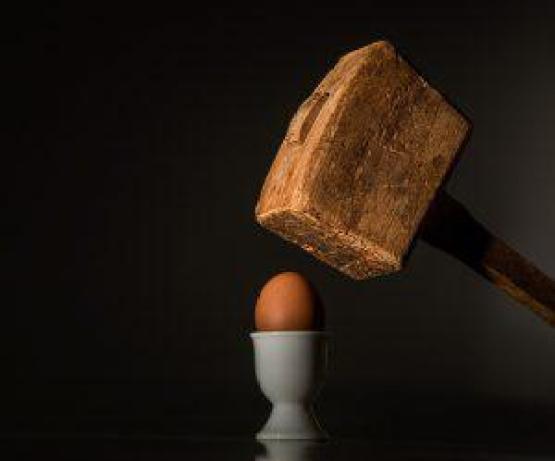 hammer egg 300x250 - Die 7 Grundsätze der Achtsamkeit - #3 Anfängergeist