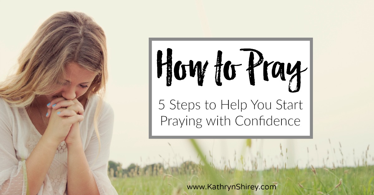 Want to know how to pray? Whether you're a new Christian or simply aren't comfortable with prayer, these 5 steps on how to pray for beginners will get you started praying with confidence. Free printable Lord's Prayer template to learn to pray as Jesus taught. #prayer #howtopray #LordsPrayer