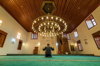 Making Up the Missed Sunnah of Maghrib After Isha: Allowed?