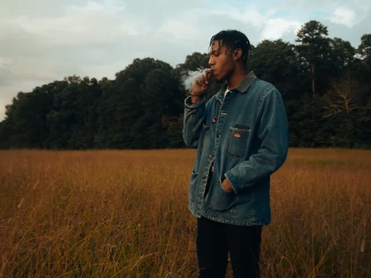"Tahj Keeton Drifts Away In ""THE FUMES"" Video"