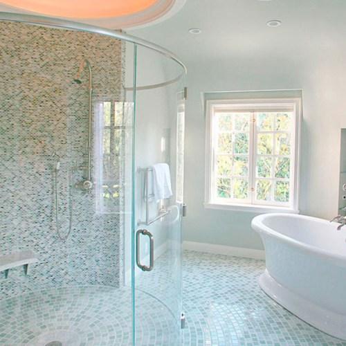 Half-circle shower door
