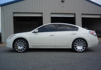 Gretna Client Gets Nissan Altima Wheels and Tires Plus Stereo Upgrade