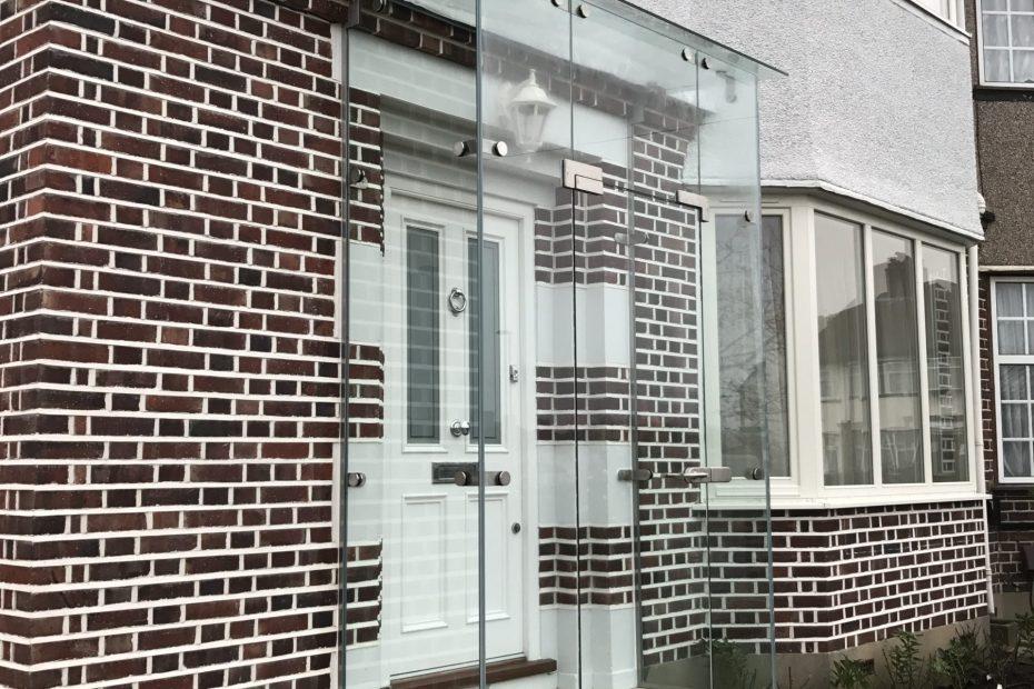 Frameless glass porch