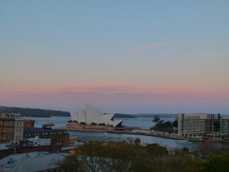 O pôr do sol visto lá de cima da ponte