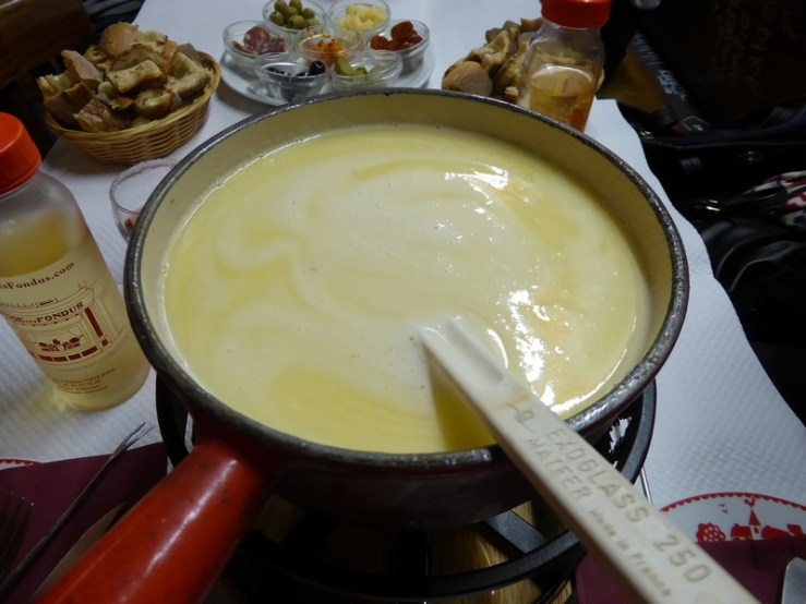 onde comer fondue em paris
