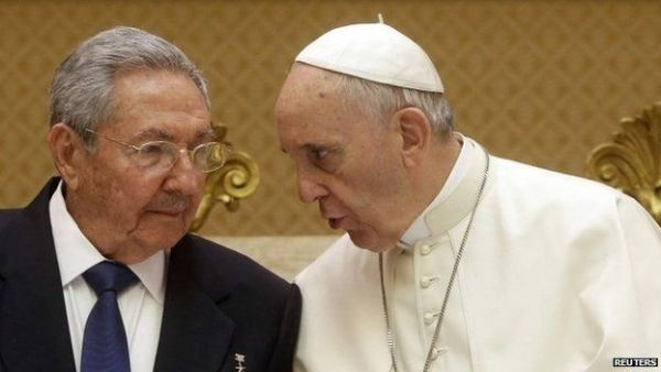 Raul Castro stopped in Rome to meet the Pope on his way back from Moscow