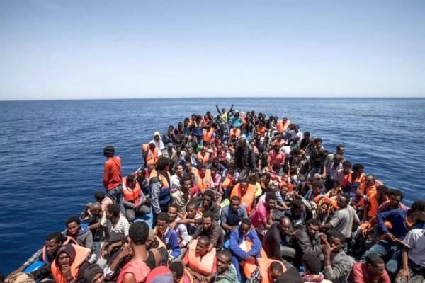 Europe-Headline-News-EU-Struggled-To-Cope-With-Worst-Refugee-Crisis-Since-World-War-II-650x433