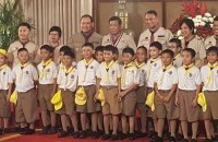 CHIEF SCOUT. New Chief Scout, President Rodrigo Duterte, poses for a photo with young Boy Scouts on April 3, 2017. Photo by Pia Ranada/Rappler