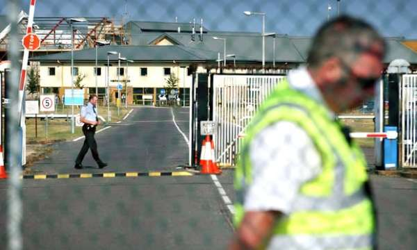 Yarl's Wood detention centre in Bedfordshire Photograph: David Levene for the Guardian