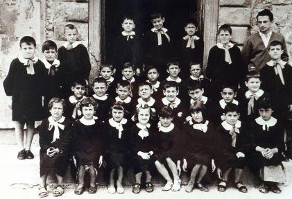 una classe elementare del maestro Antonio Miscia, a Preggio circa anno 1956