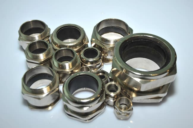 METALLIC COMPRESSION GLANDS FOR UNARMOURED CABLE