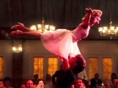 Dirty Dancing est un film mythique pour les amoureux de la danse… et de Patrick Swayze ! A votre tour, vous ferez rêvez vos invités avec une danse de mariage à la fois romantique et libératrice, en vous replongeant dans un film culte qui a marqué votre jeunesse.