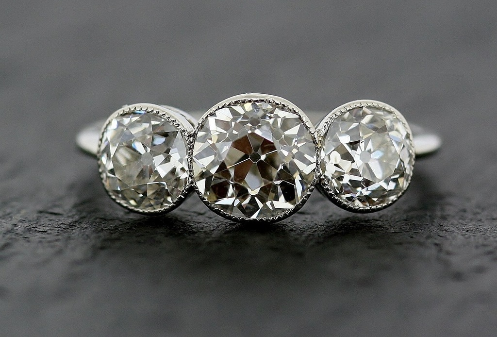 3-stone-platinum-vintage-engagement-ring-for-art-deco-brides-2-full