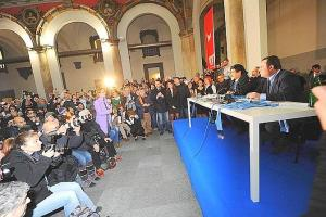 Diego Armando Maradona durante la conferenza stampa a Napoli, 26 febbraio 2013. Diego Armando Maradona during the press conference in Naples, 26 february 2013. ANSA / CIRO FUSCO