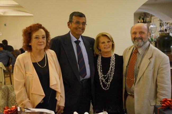 Da sinistra - Maria Giovanna Bonaiuti, Vice Console dell'Equador, Sara Rodolao, Giuliano Ottaviani