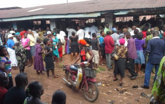 Voters at polling unit 007 in Nnewi-ichi